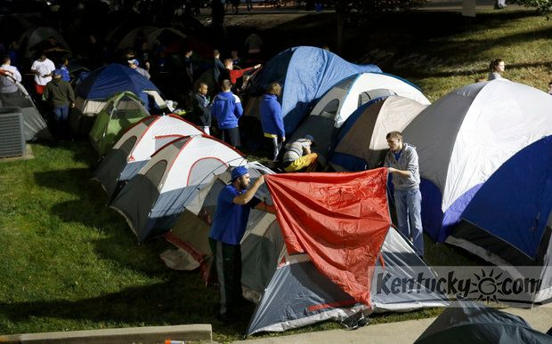 """UK Basketball fans """"camp out"""" to get Big Blue Madness tickets"""