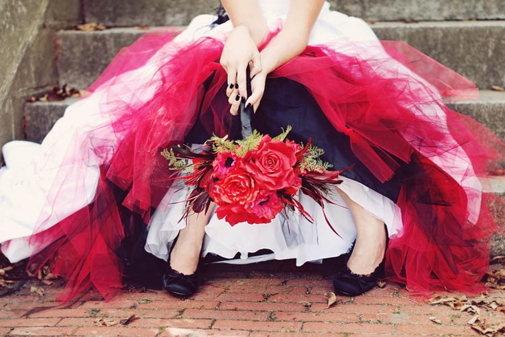 17 best images about vintage petticoat on pinterest for Rock n roll wedding dress