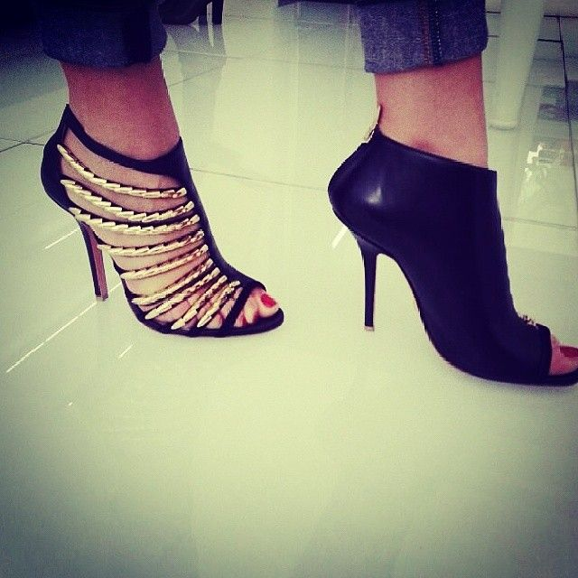 Goodmorning with #asymmetrical #shoes #greymer thanks to @munecafashion #photooftheday #instalike #instagood #fashion #summer #stylish #love
