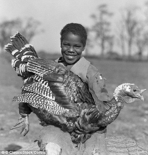 Banquets Football And Meals At A Poorhouse Beautiful Black White Pictures Show How America Celebrated Thanksgiving In The 1920s 1930s