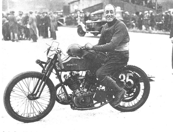 CT Ashby on his Zenith, Brooklands 1925. From the Vintagent.