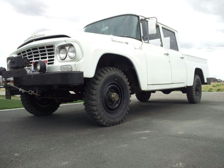 My 1962 International Harvester Travelette ( crew cab 4x4 ) love him and the truck!!