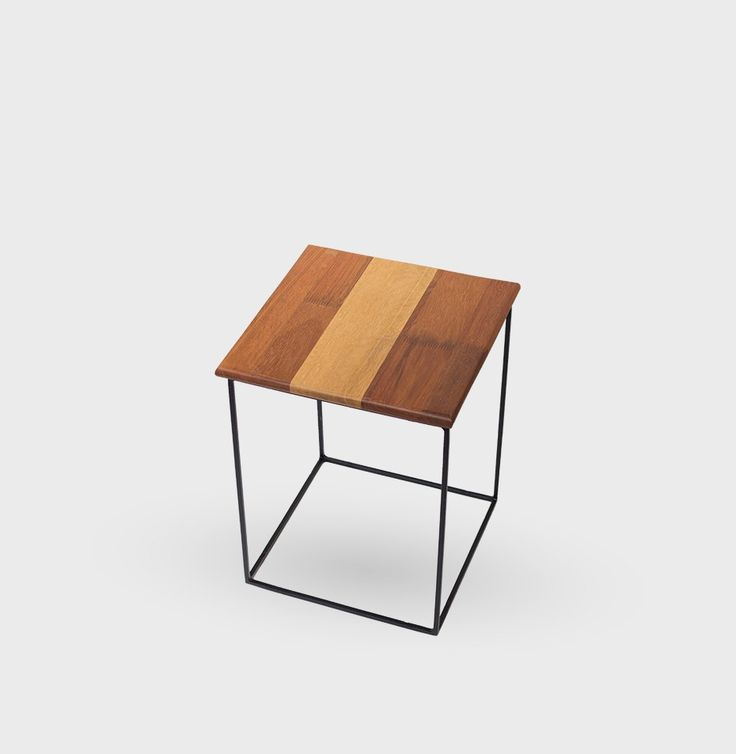 Sidebord i teak og eg fra Nova Møbler i Guldsmedgade
