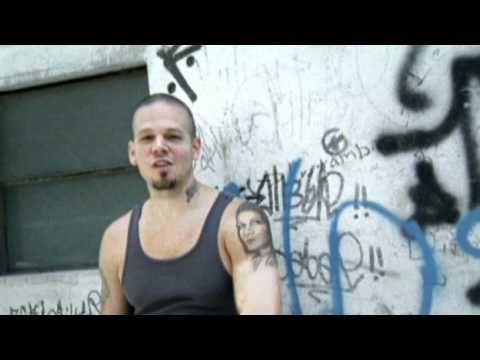 Calle 13 - Baile De Los Pobres (Edited Version) - http://music.artpimp.biz/latin-music-videos/calle-13-baile-de-los-pobres-edited-version/