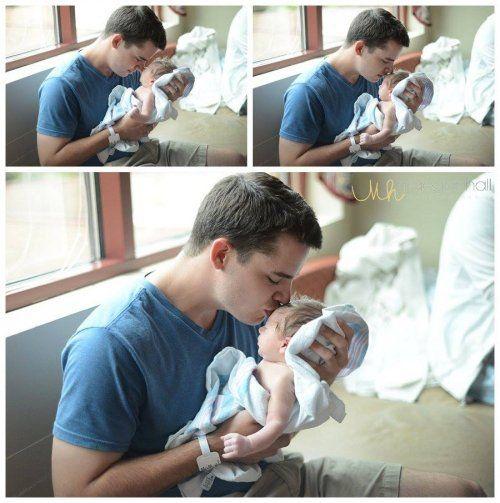 Первые минуты общения отцов со своими новорождёнными детьми (17 фото)