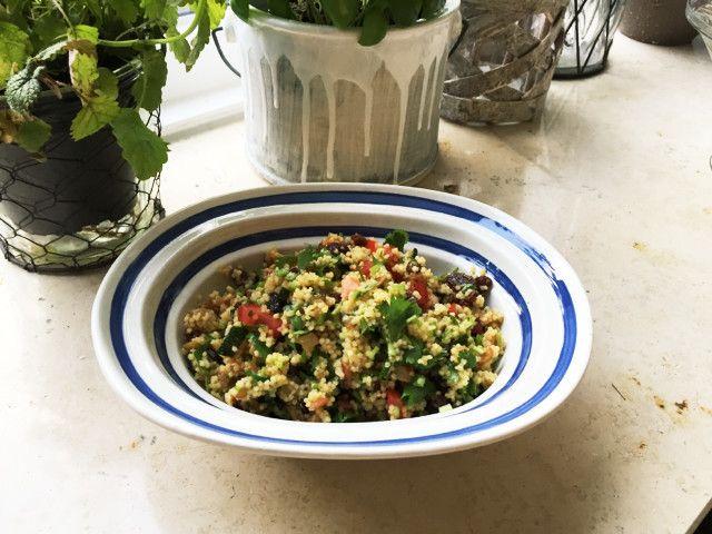パセリじゃなくコリアンダーで。 クスクスじゃなく栄養価が高くヘルシーなキビで。このままお野菜たっぷりヘルシーランチに。
