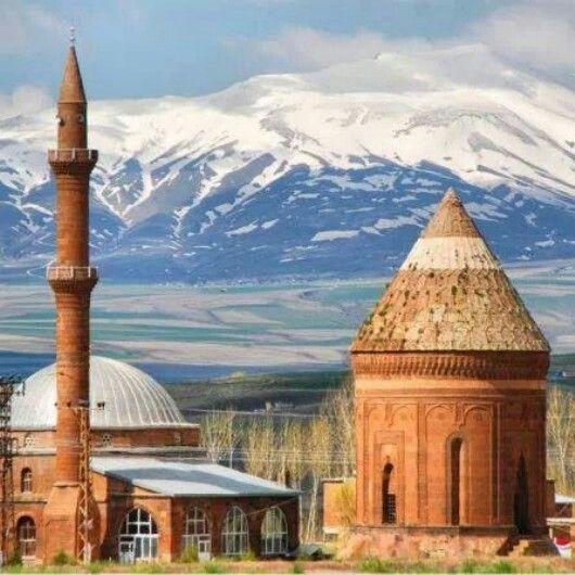 Bitlis...TURKEY...Ulu kümbet`Nemrut dagı.