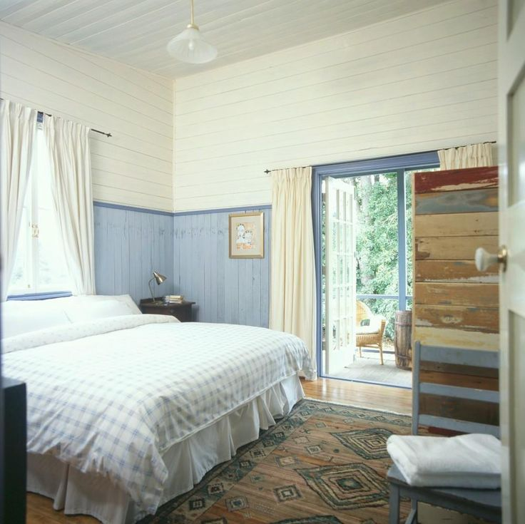 Green, Quirky, Luxury – The Worker's Cottage Bedroom at Leura Dairy Blue Mountains | Green City Trips - Ready to go? Check availability and rates http://www.booking.com/hotel/au/old-leura-dairy.html?aid=802126;lang=en or check our review http://greencitytrips.com/eco-friendly-luxury-retreat-old-leura-dairy-blue-mountains/
