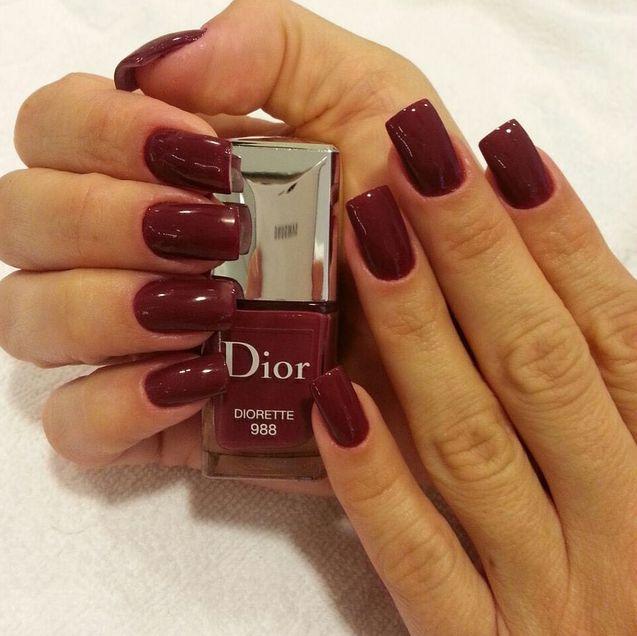 O vermelho fechado da Dior, número 988 - Diorete - é lindo!