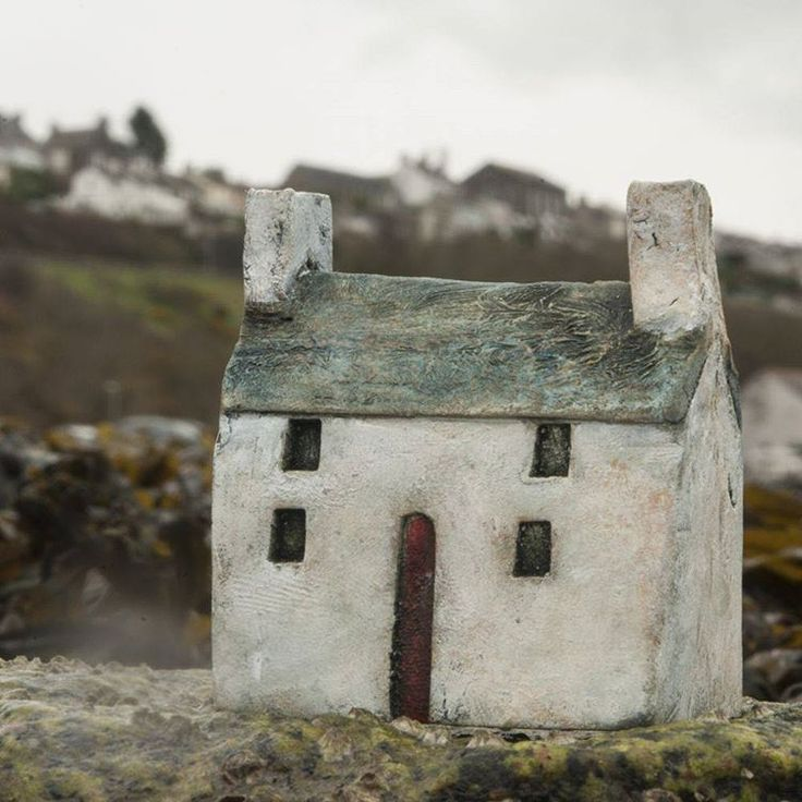 Out and about with a little house today... #clayrichard.co.uk #littlehouses