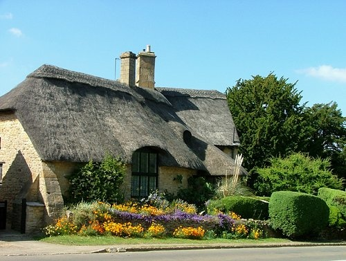 Thatched cottage in the Westington area, Chipping Campden, Gloucestershire