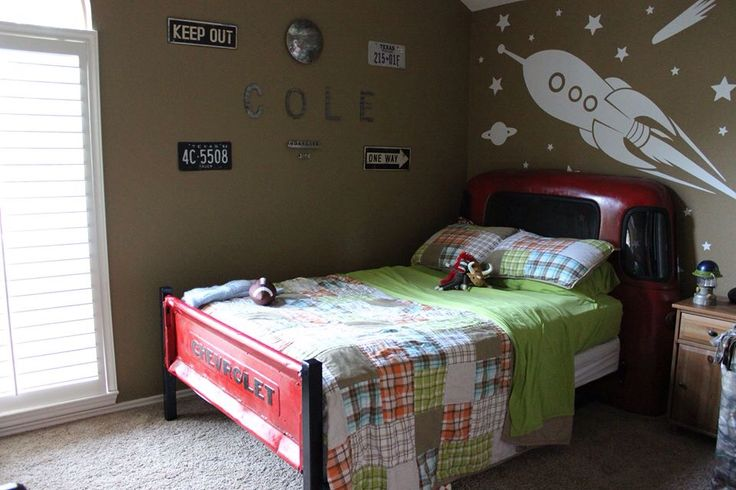 My little guy's vintage truck bed made from an old 1950's Chevy. It's a boy's dream room! #vintage #truckbed #boysroom