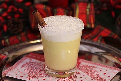 Cocktail au lait de poule // Eggnog Cocktail    [Photo © Marie Charest   Agence Remarke]