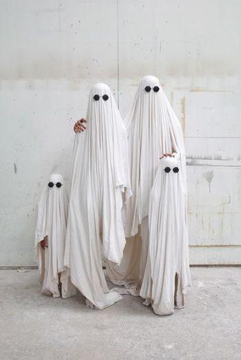 いかがでしたか?本場のハロウィン衣装を参考に是非今年のハロウィンパーティを楽しんでみてくださいね。