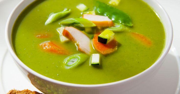 (Kraam 10) Groente & Fruit Paradijs ☞ 2 kroppen sla ☞ 1 courgette ☞ 100 g tuinerwtjes of peultjes ☞ 100 g worteltjes ☞ 2 bosuitjes  (Kraam