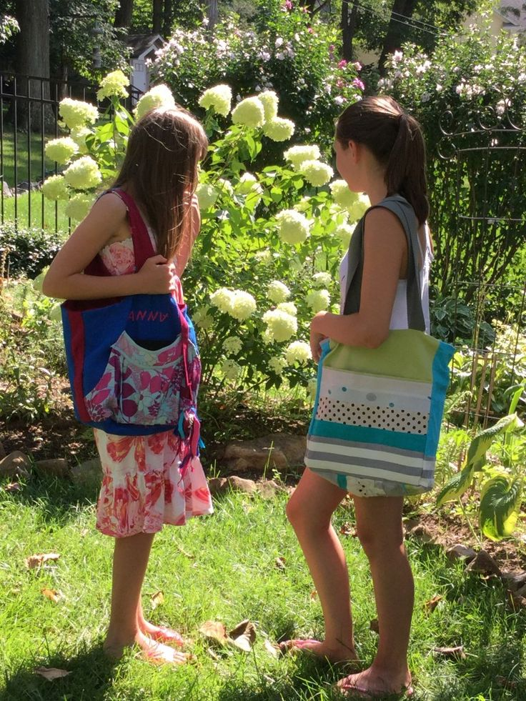 Anna in garden with artistic bag FLORAL ART