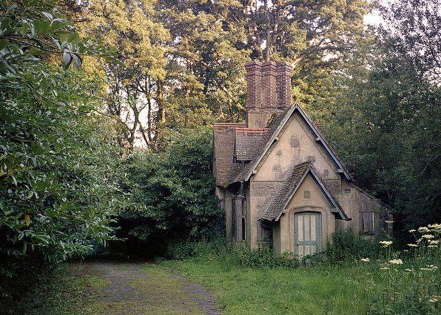 Surrey England Cottages for Sale