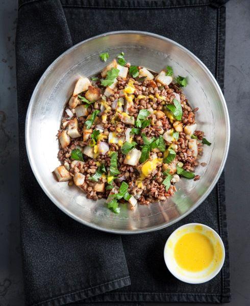 Vegetariana, alcalina, senza glutine e facile da fare! Può esserci una ricetta migliore per un pranzo veloce o una cena confortante davanti alla tv? Questa versione vi sarà utile se in dispensa sono avanzate un po' di lenticchie!