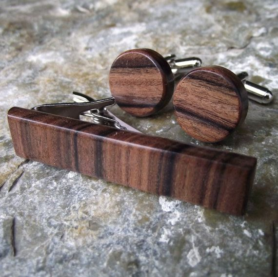 Wood Cuff Links and Tie Bar Set  Handmade Round by ARemarkYouMade, $34.95
