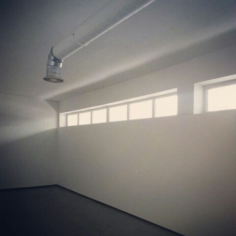 the purest minimalism: Showroom Store [LDZ, Poland]
