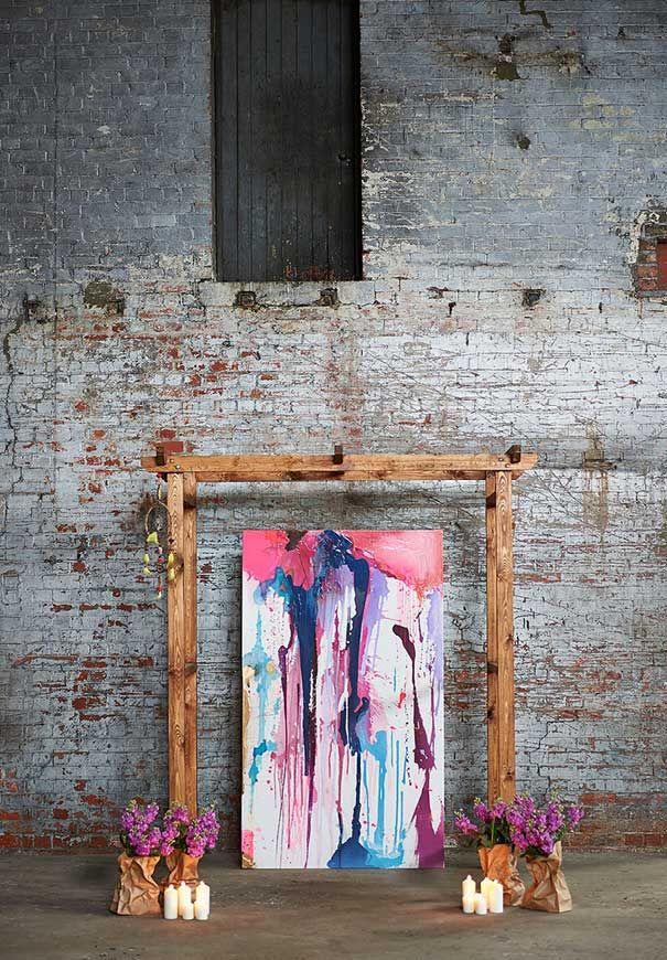 Inspiración industrial brillante con una salpicadura de la pintura ceremonia de…