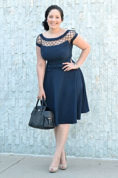 Love this dress and this site! Pretty Midi by GirlWithCurves, via Flickr