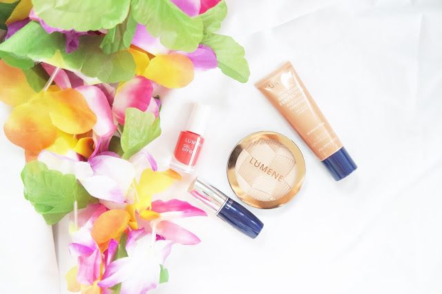 """Easy breezy make up for the summer"", writes blogger Beauty of life about Lumene Arctic Sun Highlighter and Skin Tone Perfector, Gel Effect Nail Polish and Wild Rose Lipstick. #makeup #summer #lumene"