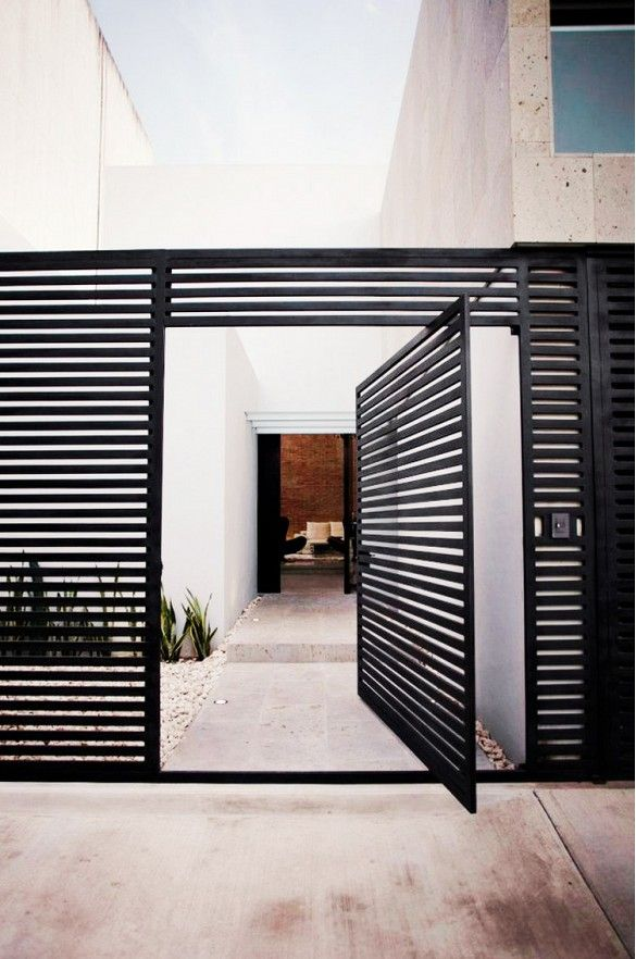 7 Stunning Front Door Designs via @mydomaine