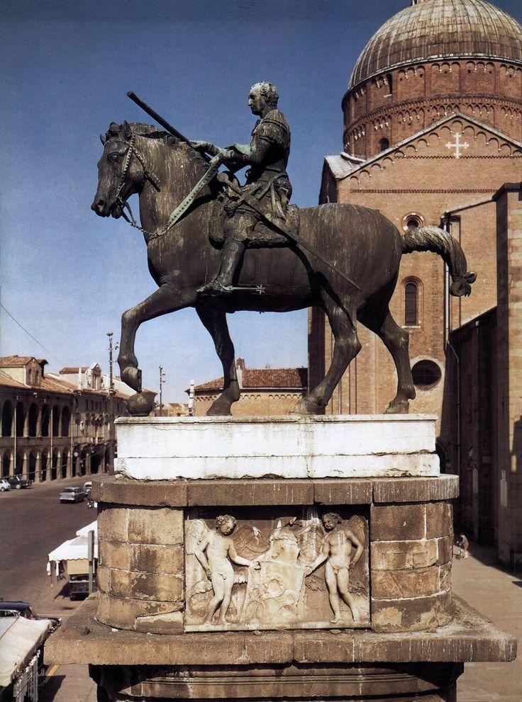 DONATELLO Equestrian Statue of Gattamelata 1447-50 Bronze, 340 x 390 cm (without base) Piazza del Santo, Padua