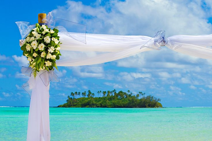 Picture Perfect wedding day at Muri Beach Club Hotel! #muribeachclubhotel #wedding #cookislands
