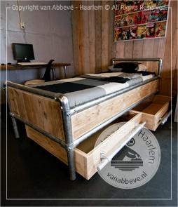 Steigerhouten Bed | Steigerbuis | Op maat | Zooff.nl webwinkel