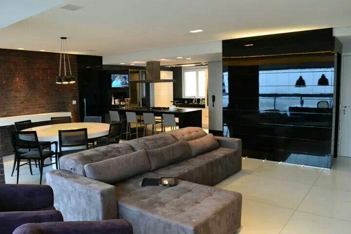 sala de tv integrada com sala de sala de jantar sofa cinza