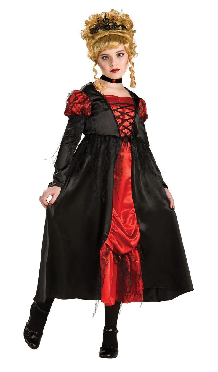 Miss Vampyyritar. Musta kiiltävä mekko jota korostaa punainen etuosa ja hihat. Asuun kuuluu myös tiara ja kaulakoru.