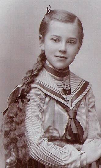 Pretty young vintage girl