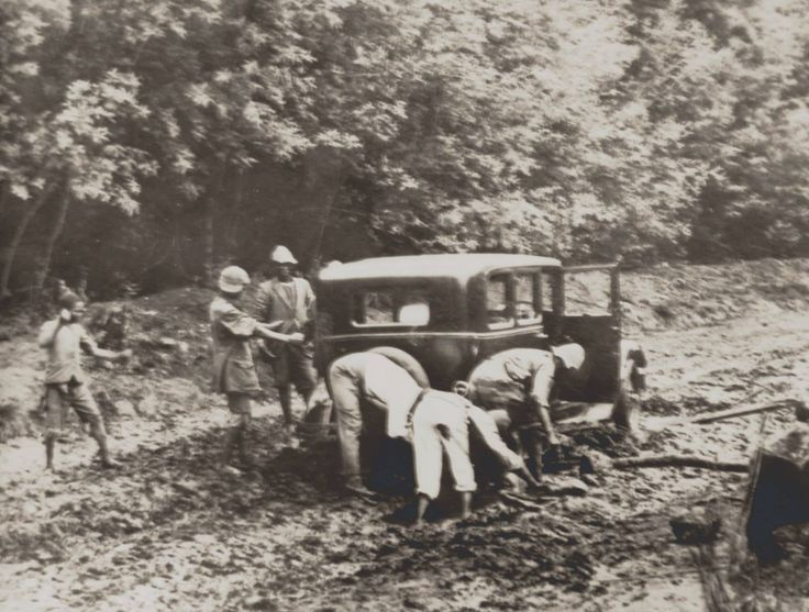 These days, most of the Midlands Meander roads are tarred. For those who don't care for dirt, be grateful you're not driving up the Curry's Post Road in the early 1900s! www.midlandsmeander.co.za