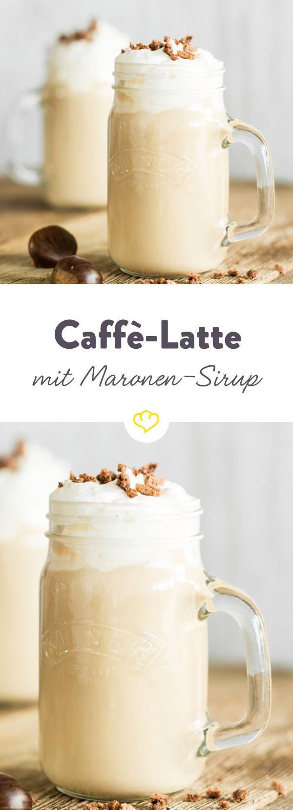 Diese kleine Kaffeeköstlichkeit aus Maronen-Sirup, aufgeschäumter Milch und Espresso versüßt dir jeden regnerischen, nasskalten Tag.