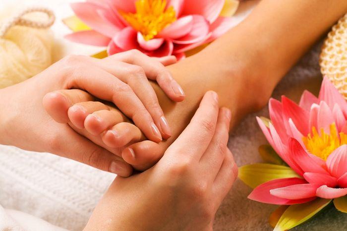 http://culttela.ru/services А у нас новая услуга. Обучение Тайскому массажу у вас на дому. Актуально для пар для улучшения/восстановления взаимоотношений. Классический Тайский массаж (йога-массаж), НИКАКОГО ИНТИМА! Москва.