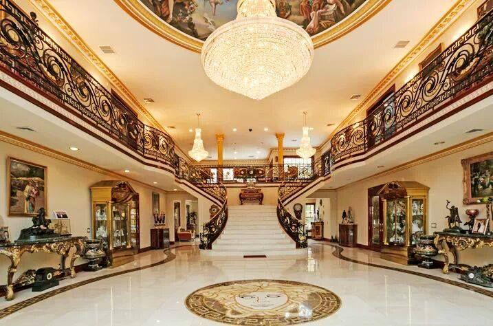 77 best les lustres classiques des plus belles maisons et palais images on pinterest. Black Bedroom Furniture Sets. Home Design Ideas