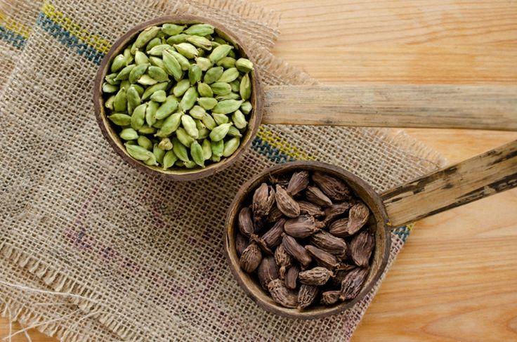 Экология потребления. Народная медицина: Кардамон, или как называют его на Востоке, «райское зерно» — одна из самых эффективных специй, помогающих бороться с лишним весом...