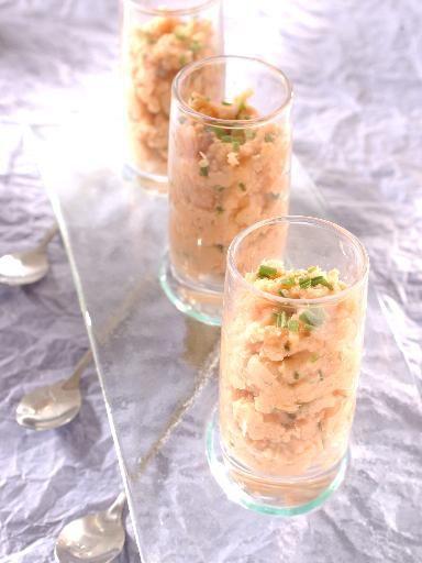 Recette Tartare de saumon facile, notre recette Tartare de saumon facile - aufeminin.com