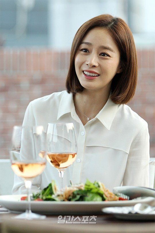 "[Interview] Kim Tae-hee, ""Jeju Island with Rain?"" - Part 3 @ HanCinema :: The Korean Movie and Drama Database"