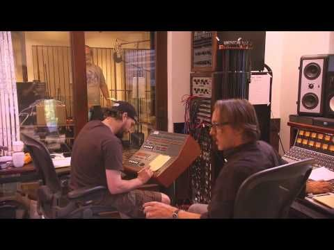 Foo Fighters recording 'Wasting Light' at Dave Grohl's house [2011] - YouTube