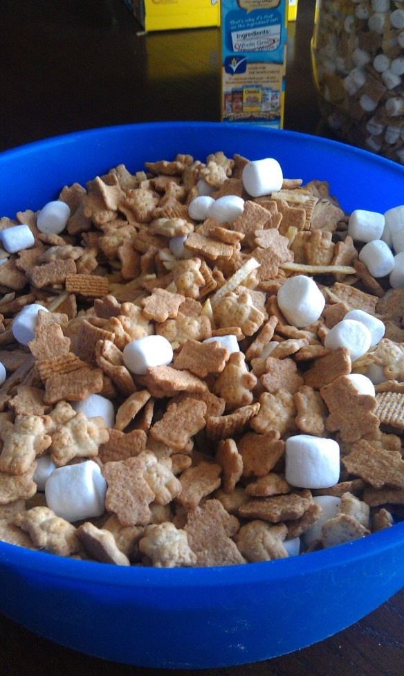 Made this for Priscilla's Awana Cubbies snack....Teddy Bear snack mix!