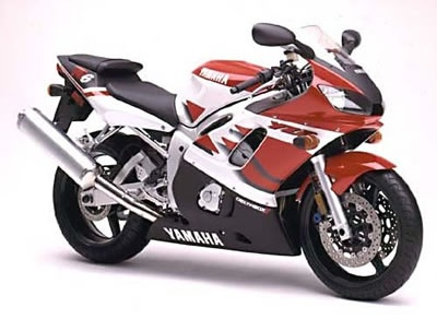 First generation R6, the bike that reawakened my desire to ride... Looks better in blue :-D