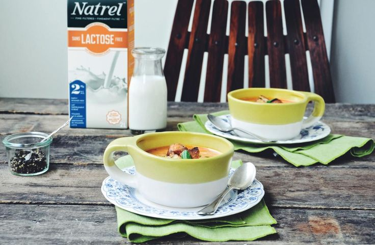 Creamy tomato and basil soup with parmesan croutons | Natrel