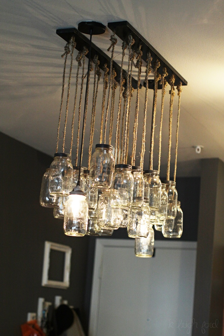 I freaking love these mason jar lights; every time i see them i can't help but want to make one..