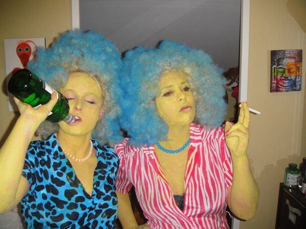 halloween costume. Patty & Selma #thesimpsons #halloween #costumes #diy #adultcostume