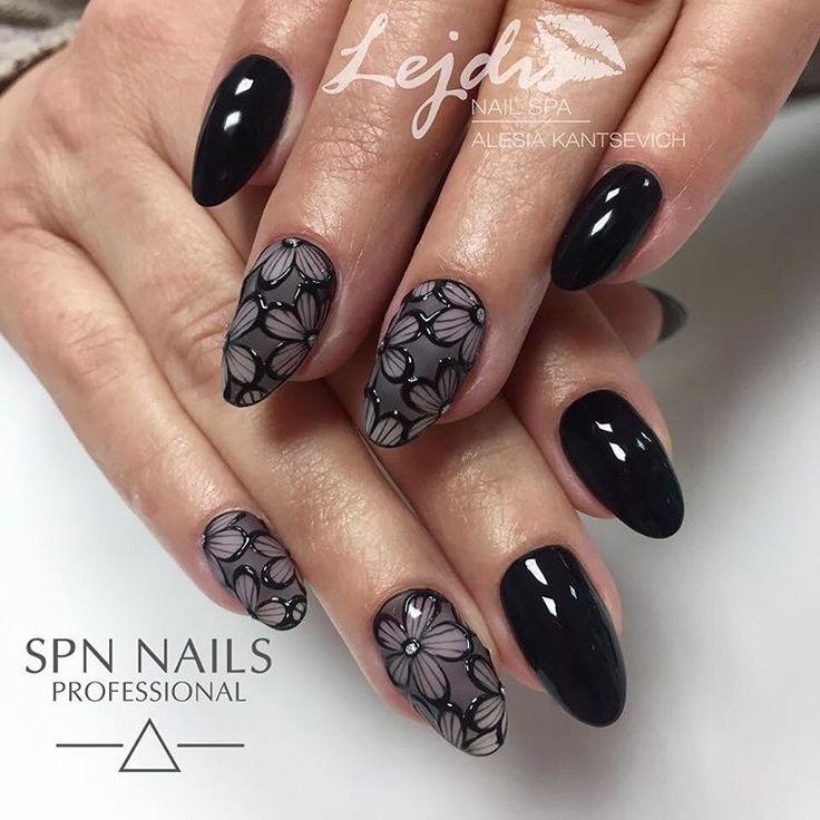In love 😍 Nails by @lejdis_nailspa #spn#spnnails#spnnailsuv#uvlaq#instamani#instanails#instanailsperfect#manicurehybrydowy#blac#blackisback#produktyspn#koronka