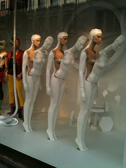 Zara - We love shops and shopping - seanmurrayuk.com & www.facebook.com/shoppedinternational