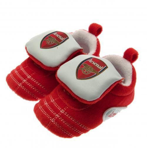 Gorgeous baby Arsenal crib shoes for 0-3 month old babies. With velcro straps, in club colours and featuring the club crest. FREE DELIVERY on all of our gifts